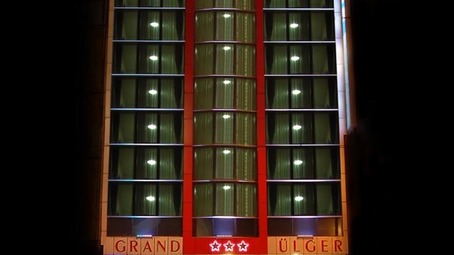 Grand Ulger Hotel