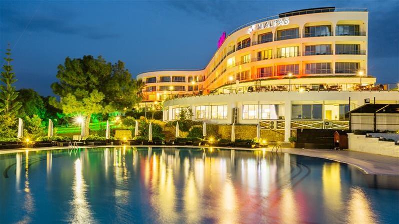 hotel malpas hotel & casino