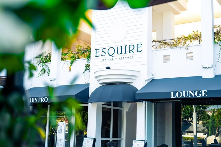 Esquire Hotels - Lounges
